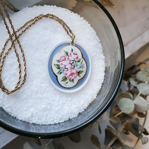 Necklace granny chic painted glass flower pendant